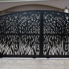 LC Gate with Botanical Design